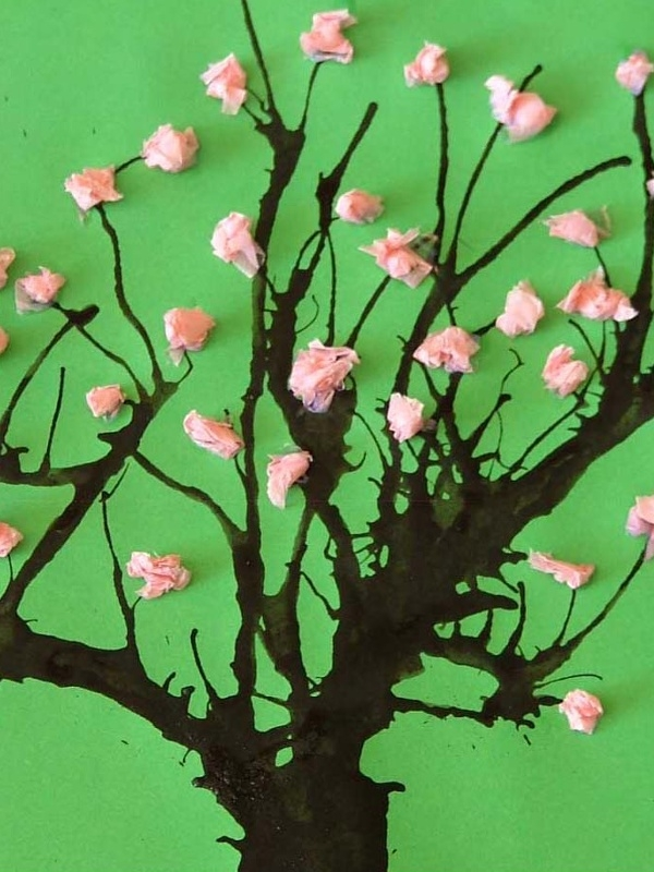 jarn tvo en s d tmi kvetouc strom i