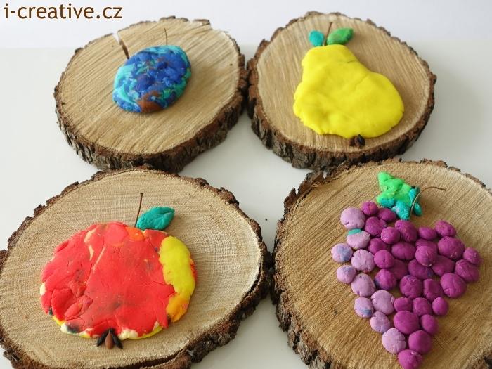 modelování ovoce na dřevěné pláty kmene stromu
