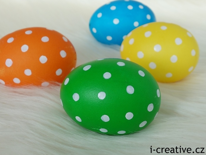 puntíkatá velikonoční vajíčka