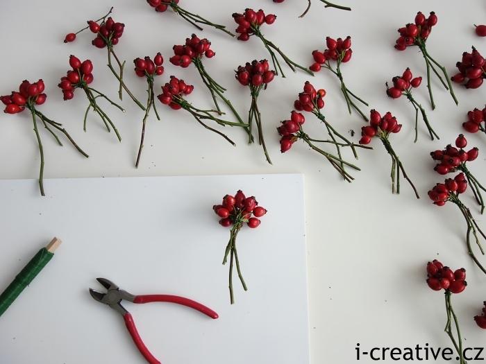 návod jak vyrobit věnec ze šípků