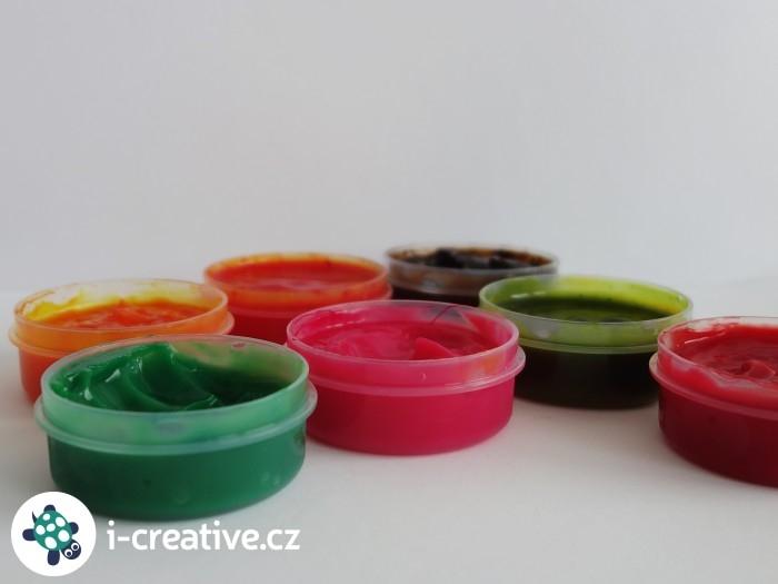 domácí prstové barvy