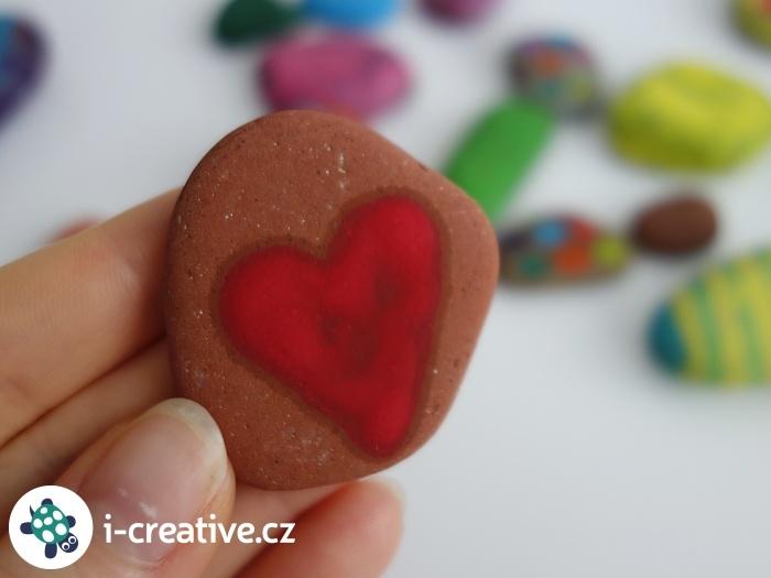 kamínek se srdcem