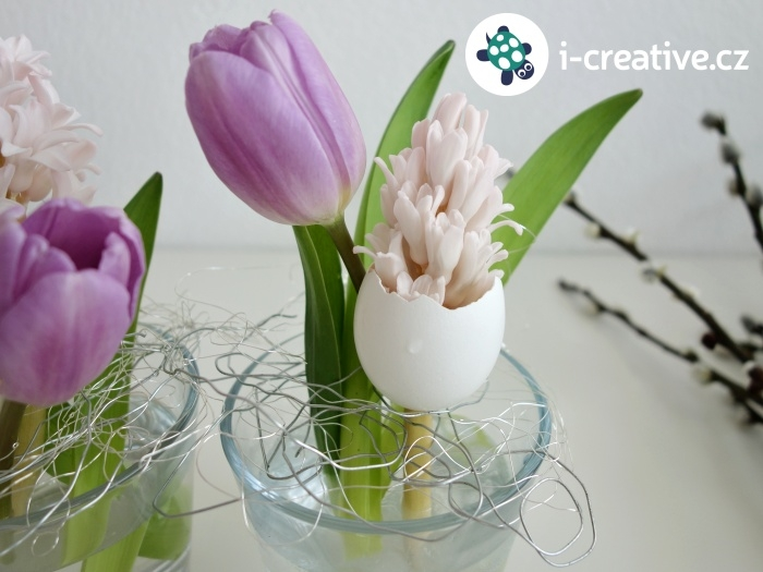 velikonoční aranžování květin