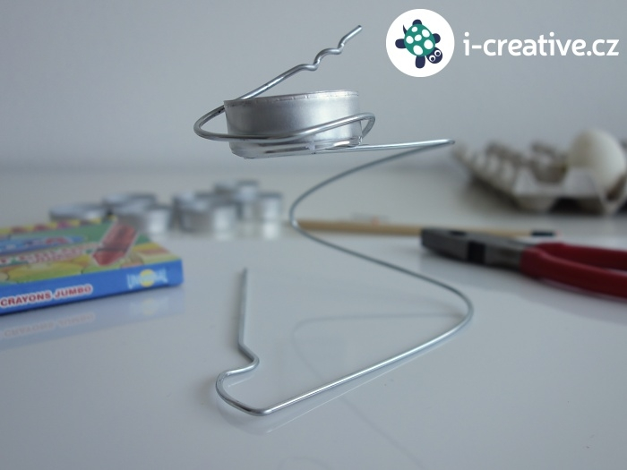 jak vyrobit stojánek na rozpouštění voskovky
