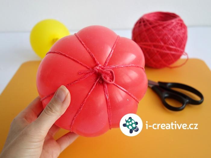 jak vyrobit dýni pomocí nafukovacího balonku