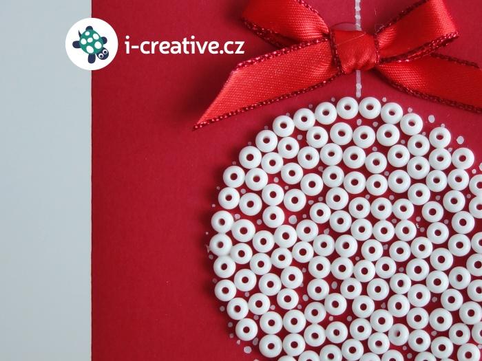 návod na vánoční přání s baňkou z korálků