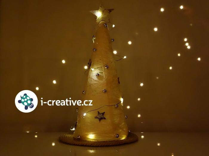vánoční dekroace - stromeček z bavlnky