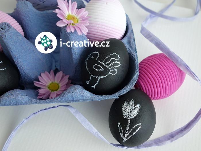 černá velikonoční vajíčka na kreslení křídou