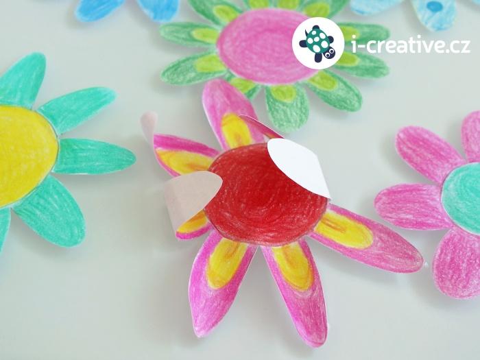 kouzelný květ z papíru
