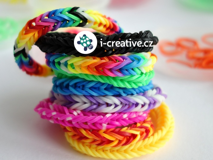 jak vyrobit hopíka z rainbow loom